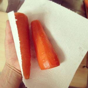 野菜(にんじん)保存キッチンペーパー